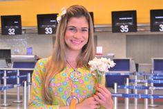 A Azul distribuiu flores para todos os clientes no aeroporto de Viracopos.
