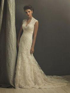 Gorgeous lace wedding dress!