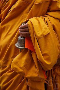 Buddhist Bell and monk in a robe. Buddha Zen, Buddha Buddhism, Buddhist Monk, Buddhist Teachings, Tibetan Buddhism, Dalai Lama, Om Mani Padme Hum, Buddhist Quotes, Tibet