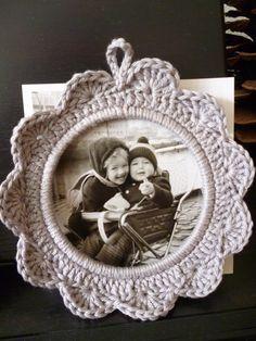Nostalgie / Gehaakt fotolijstje  Crochet photo phrame