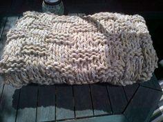 Love the big and chunky yarns of this afghan!