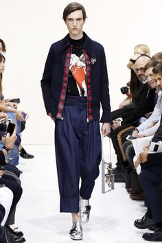See the JW Anderson spring/summer 2016 menswear collection. Click through for full gallery