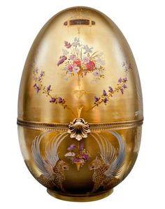 2014 Faberge Big Egg Hunt: 'Empress II' 24K gold painted egg by Isabelle Arpagian