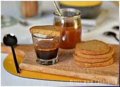 Saint Hildegard's honey and spelt flour cookies (Scroll down for English recipe) No Flour Cookies, Spelt Flour, English Food, Panna Cotta, Buffet, Biscuits, Food And Drink, Pudding, Ethnic Recipes