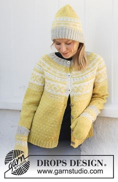 Knitted jumper in DROPS Karisma. Piece is knitted top down with round yoke and Nordic pattern. Size: S - XXXL Knitted hat in DROPS Karisma. Piece is knitted with Nordic pattern fold in rib. Easy Sweater Knitting Patterns, Cardigan Pattern, Free Knitting, Crochet Patterns, Drops Design, Crochet Jacket, Knit Jacket, Knit Crochet, Drops Karisma