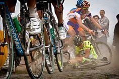 Paris Roubaix 2012 Pozzato misjudges a corner on the cobbles and crashes into Stijn Devolder on pavé section 11 of Auchy-les-Orchies – Bersée Paris Roubaix, Cycling Art, Cycling Bikes, Epic Fail Pictures, Road Bikes, Road Racing, Touring, Wheels, Bicycles