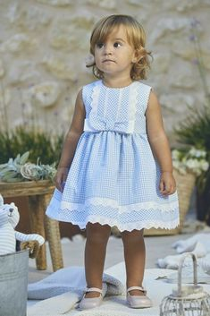 Fashion Kids, Little Girl Fashion, Toddler Fashion, Frocks For Girls, Little Girl Dresses, Cute Little Girls Outfits, Kids Outfits, Sewing Kids Clothes, Doll Clothes