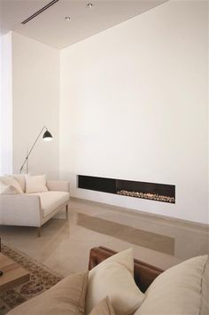 Ortal's fireplace image gallery is designed to inspire your next project. Find the fireplace that matches your unique style. Linear Fireplace, Home Fireplace, Fireplace Design, Gas Fireplaces, Modern Fireplaces, Fireplace Ideas, Home And Living, Living Room, Houses