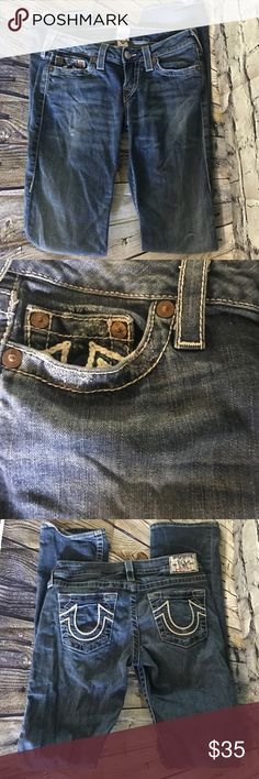 True Religion Straight Leg Jeans GUC Size 28 Light fraying on cuff as pictured. Otherwise very good condition. True Religion Jeans Straight Leg