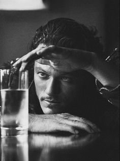 can't wait to see luke evans in 'dracula untold'! Luke Evans Dracula, Luke Evans The Hobbit, Dracula Untold, Photographie Portrait Inspiration, Poses Photo, Portrait Photography Men, Christian Bale, Black And White Photography, Character Inspiration