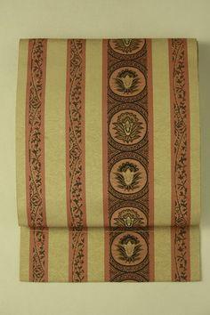 Brown nagoya obi / 丁子茶地 縞取り丸に植物柄 全通八寸名古屋帯   #Kimono #Japan http://global.rakuten.com/en/store/aiyama/