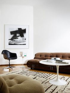 Modern home interiors and design ideas from the best in condos, penthouses and architecture. Plus the finest in home decor and products. Living Room Inspiration, Interior Design Inspiration, Daily Inspiration, Design Ideas, Interior Exterior, Room Interior, Shabby Chic Furniture, Home Furniture, System Furniture