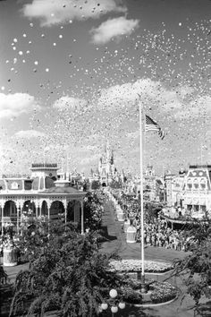 Main Street USA - Opening Day, October 1, 1971 {ooohh the day that started it all}