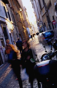 Reminds me how confusing the streets were in Rome..winding never-ending.  Loved it.