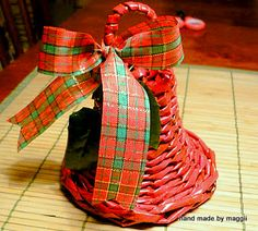 Hand made by Maggii: How to make a bell out of wicker paper