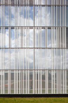 Gallery of Centre Hospitalier de Marne-la-Vallée / BRUNET SAUNIER - 7 Detail Architecture, Office Building Architecture, Building Facade, Cladding Design, Facade Design, Fritted Glass, Centre Hospitalier, Facade Pattern, Retail Facade