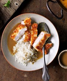 Chicken Katsu Curry (This Japanese recipe of crisp fried chicken in a simple curry sauce is packed full of flavour. Chicken Katsu Curry Recipes, Chicken Recipes, Chicken Curry, Cooking Recipes, Healthy Recipes, Savoury Recipes, Free Recipes, Healthy Food, Bon Appetit