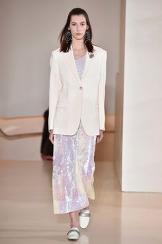 See the complete Christopher Kane Resort 2017 collection.
