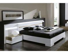 Un dormitorio que aporta claridad a cualquier entorno con su bonito acabado blanco con detalle en color oro.