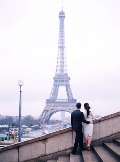 Gorgeous Eiffel Tower views: http://www.stylemepretty.com/destination-weddings/france-weddings/2016/07/02/a-picture-perfect-photo-session-on-a-rainy-day-in-paris/ | Photography: Le Secret d'Audrey - http://lesecretdaudrey.com/