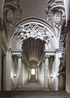 PALAZZO BARBERINI ha due scale monumentali: quella attribuita a Bernini, che rispecchia la ...