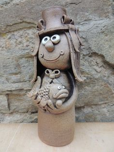 Clay Projects, Clay Crafts, Arts And Crafts, Bird Doodle, Clay People, Pottery Classes, Pottery Designs, Ceramic Clay, Yard Art