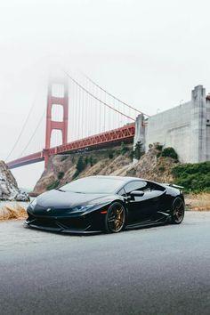 The Lamborghini Huracan was debuted at the 2014 Geneva Motor Show and went into production in the same year. The car Lamborghini's replacement to the Gallardo. Luxury Sports Cars, New Sports Cars, Lamborghini Huracan, Maserati, Ferrari 458, Alpha Romeo, Automobile, Expensive Cars, Amazing Cars