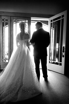 Ever wonder why there is a best man in a wedding? Read up on the origins of #wedding traditions. #MarriedInLV