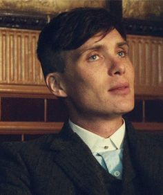 Tommy Shelby gives a knowing smile. Cillian Murphy in PB. Peaky Blinders Poster, Peaky Blinders Wallpaper, Peaky Blinders Series, Peaky Blinders Quotes, Peaky Blinders Tommy Shelby, Peaky Blinders Thomas, Cillian Murphy Peaky Blinders, Peaky Blinder Haircut, Don Juan