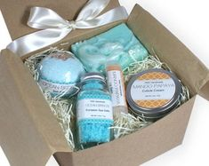 Handmade bath and body wedding accessories and by YWCHandmade Set Honey, Bridesmaid Proposal Gifts, Presents For Women, Shea Butter Soap, Kraft Gift Boxes, Spa Gifts, Wedding Save The Dates, Bath And Body, Body Spa