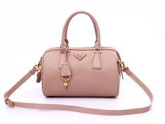 Discount Handbags in Light Pink Outlet store Prada Purses, Prada Tote, Prada Handbags, Luxury Handbags, Coach Handbags, Louis Vuitton Handbags, Fashion Handbags, Pink Outlet, Soft Leather Handbags