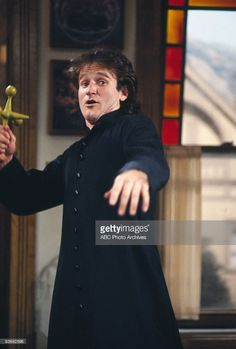 """MORK & MINDY - Season Two - """"Clerical Error"""" 1979 Robin Williams Get premium, high resolution news photos at Getty Images Mork & Mindy, Abc Photo, Dead Poets Society, Falling In Love With Him, Robin Williams, Best Tv Shows, Photo Archive, David Bowie, Michael Jackson"""