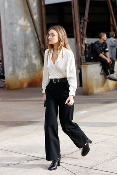 Fall fashion | White shirt, black palazzo pants, large belt and heels
