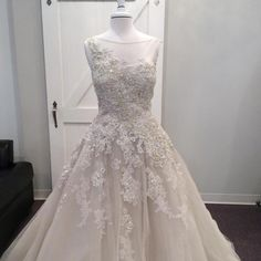 Justin Alexander 8726: buy this dress for a fraction of the salon price on PreOwnedWeddingDresses.com