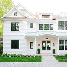 Exterior Paint Colors for House Exterior House Painting Ideas – Give Your Home the Complete Look Exterior Paint Colors for House. House painting does not mean only creating fabulous interiors… Style At Home, Future House, Coastal Living Magazine, Modern Farmhouse Exterior, Coastal Farmhouse, French Exterior, Farmhouse Front, Black Trim Exterior House, Black Windows Exterior
