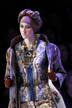 2011 Russia Fashion Week: Slava Zaitsev