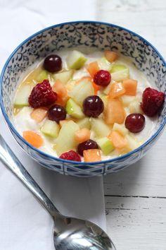 Fruit Salad, Oatmeal, Breakfast, Food, The Oatmeal, Morning Coffee, Fruit Salads, Rolled Oats, Essen