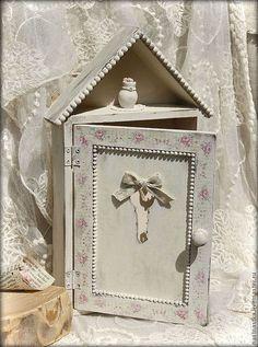 -20% Кремовая ключница - ключница,старина,винтаж,розочки,вазочка,подарок