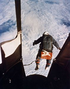 Kittinger was in free fall for four minutes, 36 seconds, and accelerated to 614 mph (988 kph), equivalent to Mach 0.9, just shy of the sound barrier. For his grand finale, Baumgartner expects to be in free fall for five minutes, 35 seconds, and achieve Mach 1, or 690 mph (1110 kph). All told, the descent should take 15 to 20 minutes.  Above: In this 16 August 1960 photo, US Air Force Colonel Joe Kittinger steps off a balloon-supported gondola at an altitude of 102,800 feet.