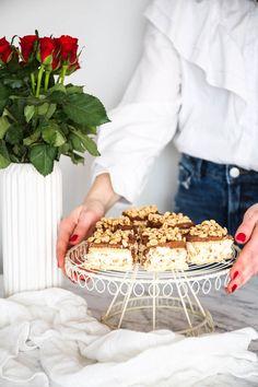 Ciasto kinder country bez pieczenia My Recipes, Cooking Recipes, Tiramisu, Cheesecake, Baking, Country, Sweet, Ethnic Recipes, Party
