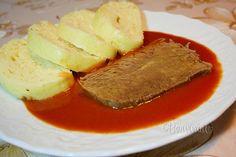 Paradajkovú omáčku sa hodí pripraviť vtedy, keď máte fajný domáci hovädzí vývar. Mäso z vývaru použijeme k omáčke, urobíme knedle, alebo len uvaríme zemiaky. Vývar dá tejto paradajkovej omáčke silu a chuť. Keď robíme plnenú papriku omáčka je iná, ale o nič horšia. Slovak Recipes, Czech Recipes, Russian Recipes, Ethnic Recipes, Cornbread, Steak, Curry, Food Porn, Food And Drink