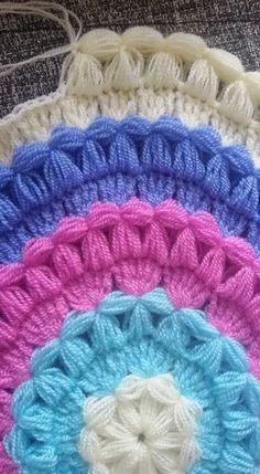 Crochet Purse Granny Square Baby Blankets 60 Ideas For 2019 Crochet Chart, Crochet Motif, Crochet Stitches, Knit Crochet, Crochet Patterns, Crochet Baby Boots, Crochet Girls, Crochet Round, Smocking Tutorial