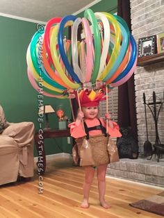 DIY Hot Air Balloon Costume via Pretty My Party If you're looking for creative DIY Halloween Costumes For Kids, this list is perfect. Get easy and quick ideas for DIY Kids Halloween costumes. Homemade Halloween Costumes, Halloween Tags, Halloween Costume Contest, Baby Halloween, Holidays Halloween, Diy Costumes, Halloween Decorations, Costume Ideas, Cheap Halloween