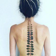 Spine Tattoos and Designs: Pis Saro, the Botanical Tattoo Artist Tattoo Son, Tatoo Art, Get A Tattoo, Tattoo Neck, Painting Tattoo, Small Tattoo, Leaf Tattoos, Body Art Tattoos, Cool Tattoos
