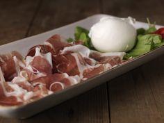 Mozzarella di Bufala Campana DOP con Prosciutto di Cinta Senese
