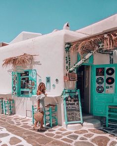 to greece To Greece destinations To Greece greek islands To Greece on a budget To Greece outfits To Greece packing lists To Greece tips To Greece with kids Santorini Mykonos Naxos Ios . Oh The Places You'll Go, Places To Travel, Naxos, Zakynthos, Greece Islands, Santorini Greece, Crete Greece, Athens Greece, Photos Voyages