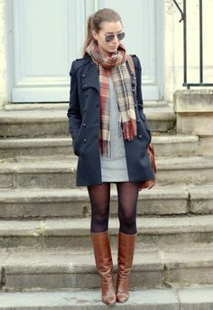 Gray dress checkered scarf navy blue coat transparent tights for . - Gray dress checkered scarf navy blue coat transparent tights to combine different colors - Winter Dress Outfits, Fall Winter Outfits, Fall Dresses, Dress Winter, Winter Tights, Winter Boots, Casual Winter, Winter Snow, Snow Boots