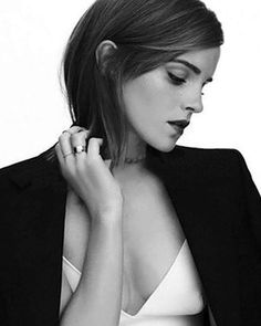 New/Old❤️  Scatto di A. Carter Bowman con Emma Watson❤️  Crediti : Emma Watson vuoi sposarmi?   Instagram : https://www.instagram.com/we.love.emma.watson.crush/  Passate dal nostro gruppo ; https://www.facebook.com/groups/445446642475974/  Twitter : https://twitter.com/GiacomaGs/status/907646326359445509 ?   ~EmWatson