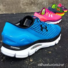 Receiving a jolt from Charged Foam, Under Armour SpeedForm Gemini #runningshoes deliver maximum cushion, responsiveness and shock absorption that adapts to your unique running style. That seamless fit that SpeedForm shoes are known for continue to create the smoothest, anatomical fit possible.  Make sure you own it first by pre-ordering today!   #Runholabird #UnderArmour #SpeedformGemini #Running #IWIll #IWillWhatIWant #RunningShoe #PrtectThisHouse