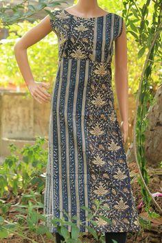 Salwar Pattern, Kurta Patterns, Dress Patterns, Churidar Designs, Kurta Designs Women, Dress Neck Designs, Blouse Designs, Ikkat Dresses, Casual Dresses